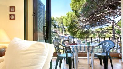 Photo for 3 bedroom Apartment, sleeps 6 with WiFi and Walk to Beach & Shops