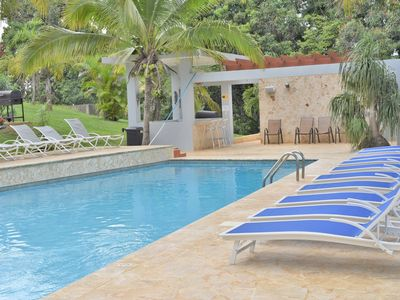 Photo for Pool, hot tub, free pool table, volley, half basketball court, kids playground