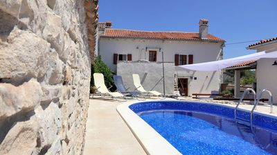 Photo for Rustic villa with private pool and garden, only 2 km from the sea