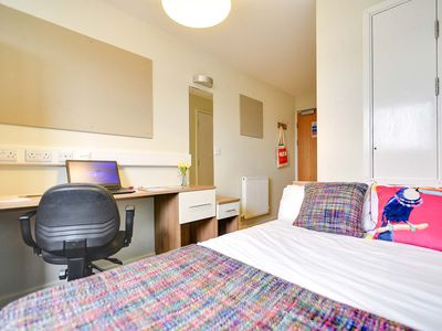 Photo for AXO ISLINGTON Ensuite Room