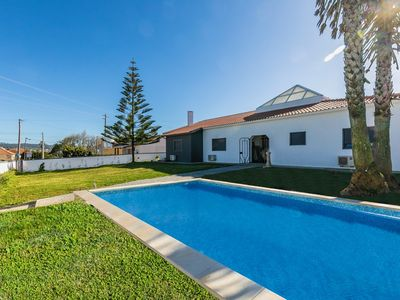 Photo for Villa T5 near beach Ericeira w / pool