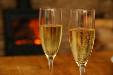 Perfect for 2 looking for a romantic break - great pubs & restaurants close by