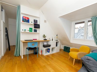 Photo for Charming 2 rooms under the roofs - Montparnasse
