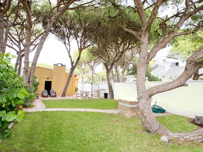 Photo for Beautiful cottage just steps from La Barrosa beach