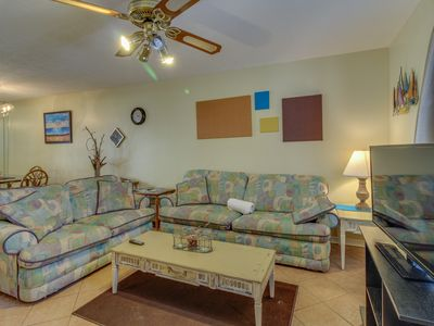 Photo for Close to the beach, pools, tennis, & more. Dog-friendly!
