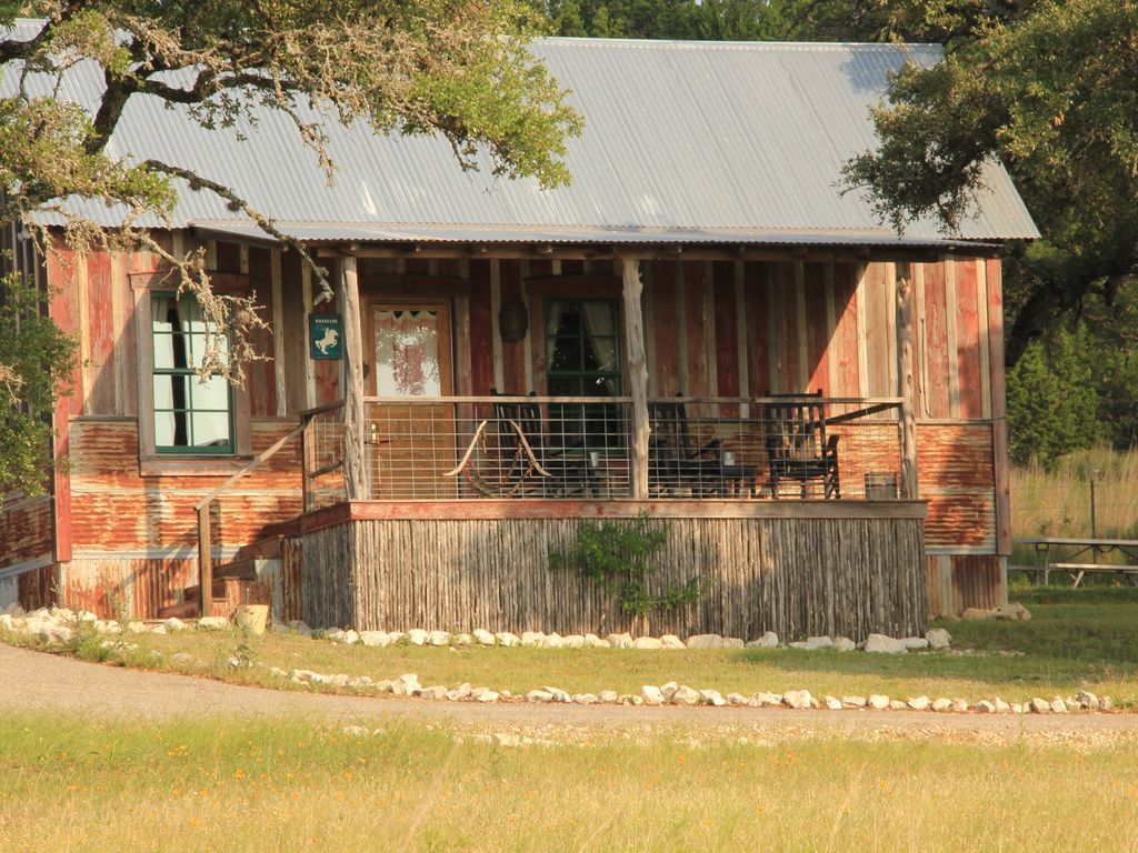 in for guest johnson the hill near and tx house cabins fredericksburg texas rent city country hillcountryhome cabin houses