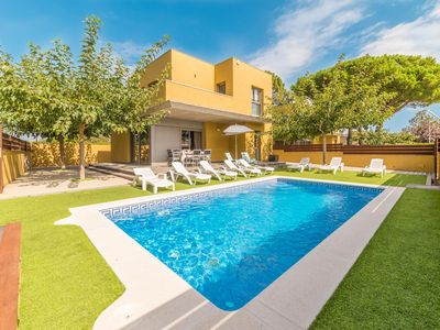 Photo for Alegria: Modern house with private pool