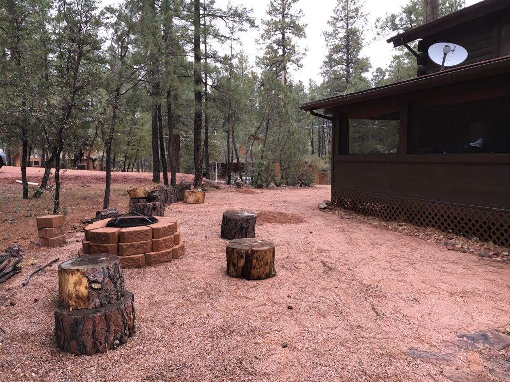 Peaceful log cabin retreat awaits you in beautiful pine for Log cabin retreat