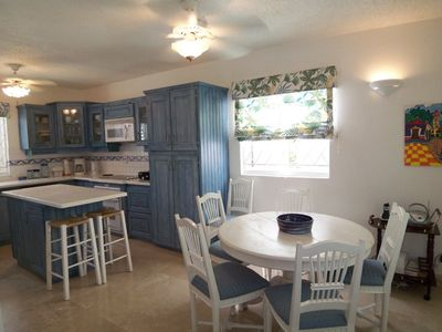 Photo for 3 Bedroom Townhouse with walking distance of great beaches!