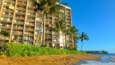Valley Isle Resort 1 Bedroom Oceanfront Maui Condo Rental #605 on Kahana Beach