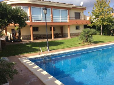 Photo for Magnificent villa in Peñiscola, large pool, paddle tennis court, Wifi,