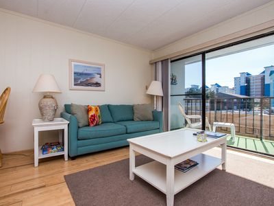 Photo for Nicely decorated one bedroom, 1.5 bath condo on the oceanblock at the Shore lea
