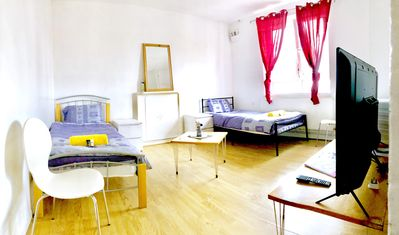 Photo for Cheap & Central 4 Bed Flat In Central London