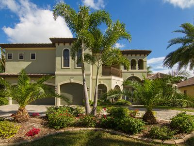 Photo for Tropical Waterfront Paradise, Spacious Villa with Direct Gulf Access