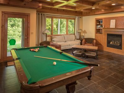 *Pet Friendly Talisman Lodge* w/Outdoor Hot Tub* Pool Table* Fireplace* BBQ*