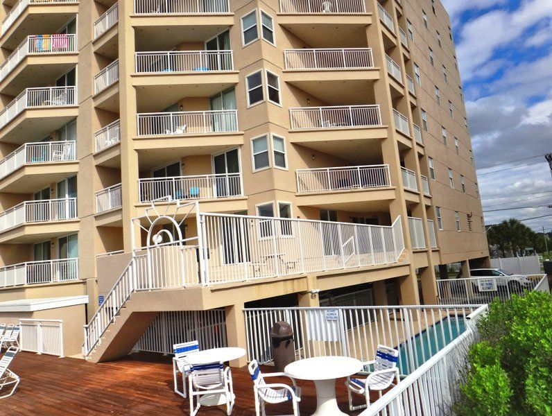 Oceanfront 3 Bedroom 2 Bath Condo With And Outdoor Pool And Large Oceanfront Balcony Cherry