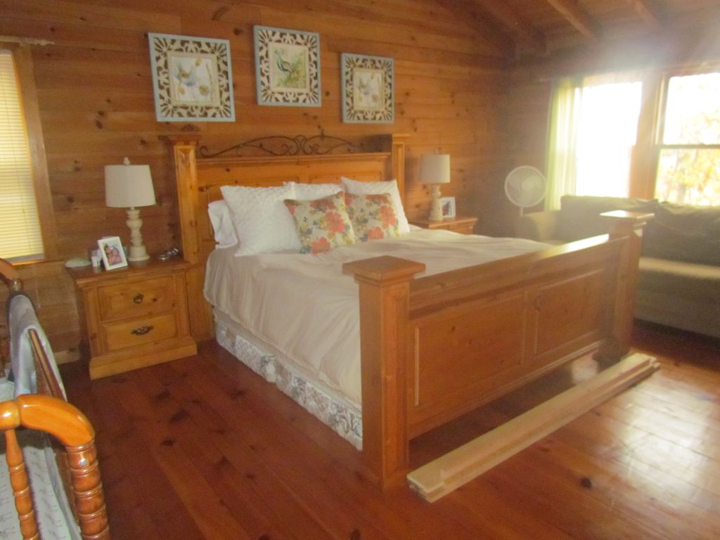 in cabins wuarsc sc carolina salem river chattooga south property walhalla clemson jocassee cabin hartwell rentals family waterfront keowee lm lake single