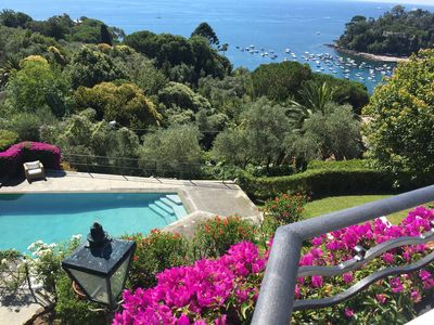 Photo for Sea view, garden and swimming pool.