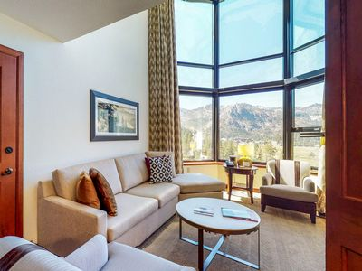 Photo for Lovely condo w/ access to shared pool and hot tub, ski-in/ski-out!