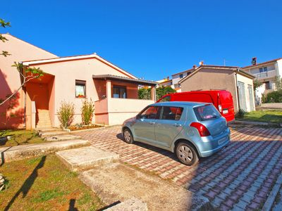 Photo for Holiday house Pula for 3 - 4 persons with 2 bedrooms - Detached holiday house