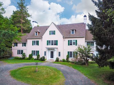 Astonishing 7Br House Vacation Rental In Manchester Connecticut Download Free Architecture Designs Scobabritishbridgeorg