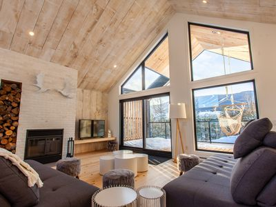 Photo for Incredible Brand New 12 pers Mountain View Chalet beside Ski Centre