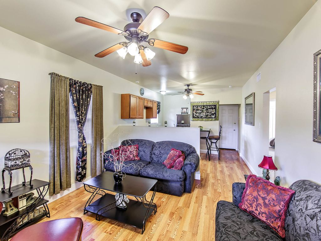 2 Bedroom High End Apartment New Orleans Louisiana Rentals And Resorts