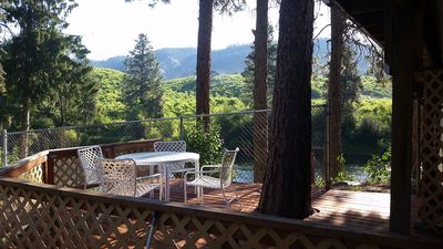 Photo for Riverfront hideaway minutes from Leavenworth's Bavarian Village.