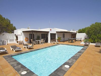 Photo for Villa located in peaceful surroundings, with private pool, for 6 people