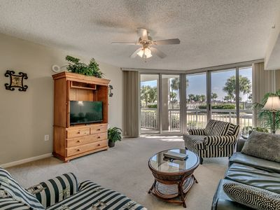 Photo for Barefoot North Tower 105, 1 Bedroom Waterfront View Condo, Hot Tub and Free Wi-Fi!