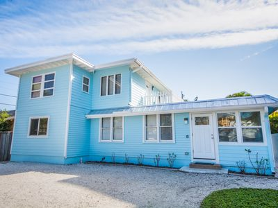 Photo for 60 Steps to Sand! perfectly positioned between Siesta Key Village & Public Beach