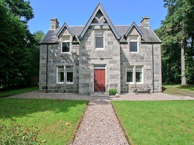 Photo for 4 bedroom property in Kingussie. Pet friendly.