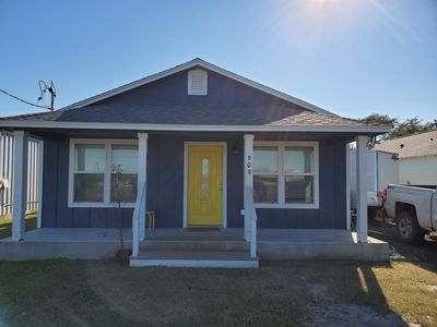 Photo for Super cute 3/2 cottage, 5 blocks from the Heritage District and Water Street!