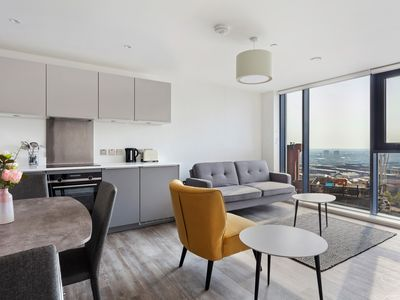 Photo for Modern and Stylish 1BR Apartment with Amazing Views