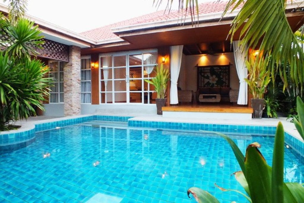 4 Bedroom Bungalow With Private Pool 1km From Beach Walking Street 10 Min Away