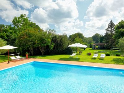 Photo for Wonderful private villa for 10 people with WIFI, private pool, TV, balcony and parking