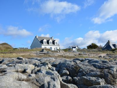 Photo for Exceptional sea view. Directly south.  Direct access to the seaside by the garden
