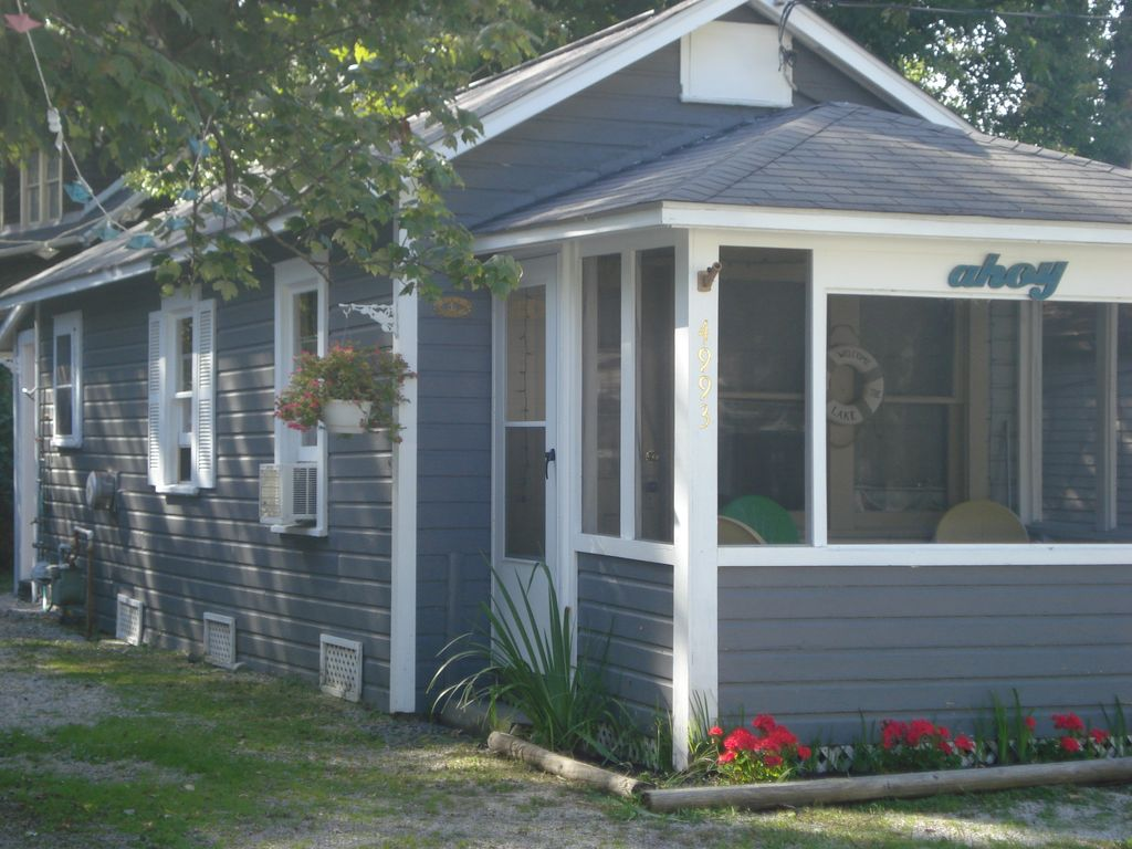 lighthouse cottages s lakefront erie lucilles cottage n lucille mountain and the cabins geneva tennessee
