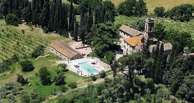 Photo for 8 bedroom Villa, sleeps 19 in Ciggiano with Pool, Air Con and WiFi