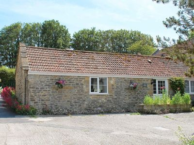 Photo for 1 bedroom property in Sherborne. Pet friendly.