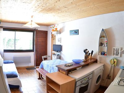 Photo for Apartment 1 bedroom, classified 2 *, 10 kms from the beaches and 1 km from the lake