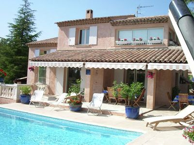 Photo for Luxury villa with private swimming pool in quiet residence, 3 km from the Mediterranean Sea