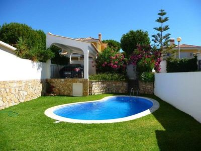 Photo for Villa with private pool near golf courses. WIFI GARTUITE