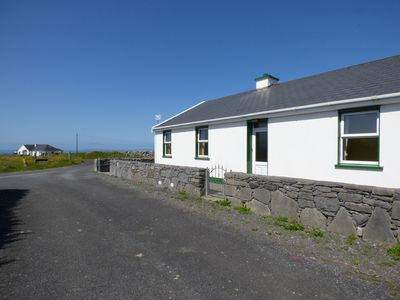 Photo for SEAVIEW COTTAGE, pet friendly in Fanore, County Clare, Ref 963565