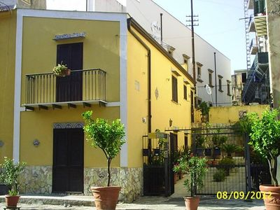 """Photo for House Vacations SANT'ONOFRIO. """"center historical Palermo""""House with character"""