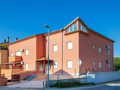 Photo for Holiday apartment Medulin for 3 - 6 persons with 3 bedrooms - Holiday apartment