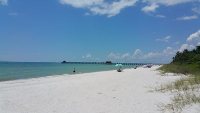 NEW LISTING! MINUTES TO BEACH, VENICE, ENGLEWOOD ENTERTAINMENT BOATING