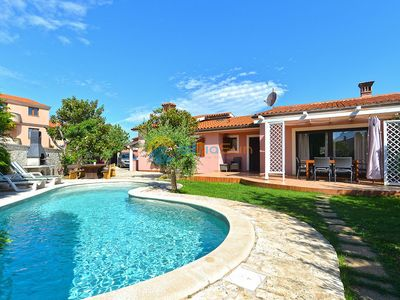 Photo for Villa 1744/18154 (Istria - Medulin), Family holiday, 500m from the beach