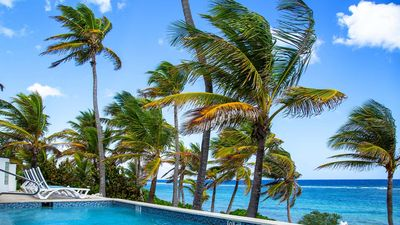 Photo for SEA SEA SEA Beachfront HomeAway from Home in Tranquil Community of Rum Point