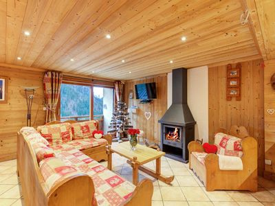 Photo for Chalet, wifi, fitness, terrace, balcony, fireplace or stove, tv, 112m², Champagny-en-Vanoise